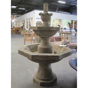 Trzypoziomowa fontanna