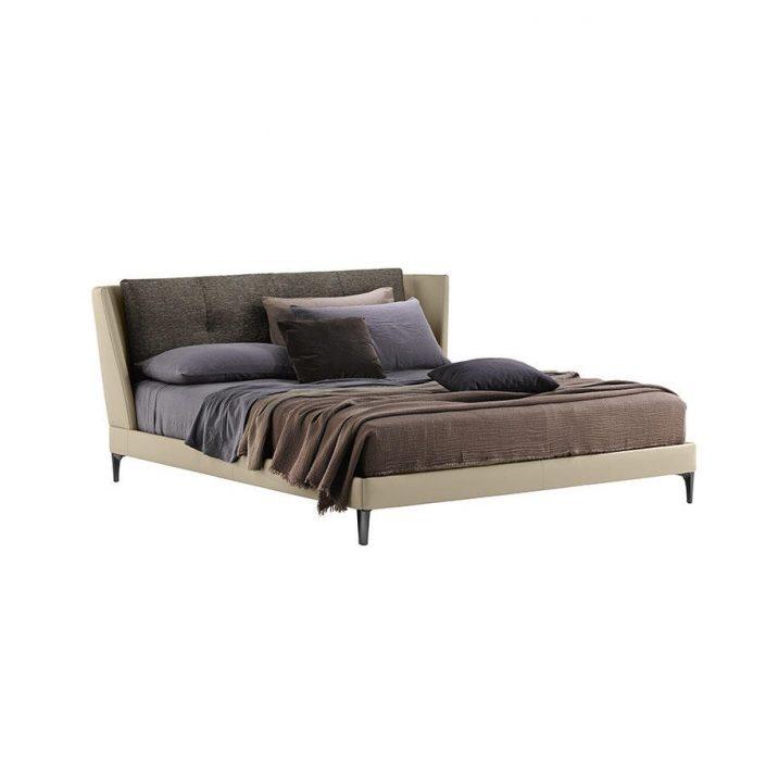 Nowoczesne łóżko Bretagne Poltrona Frau