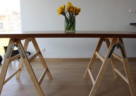 Designerski stół na kozłach - składany