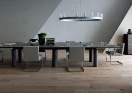 Duży stół w nowoczesnym stylu - Poltrona Frau