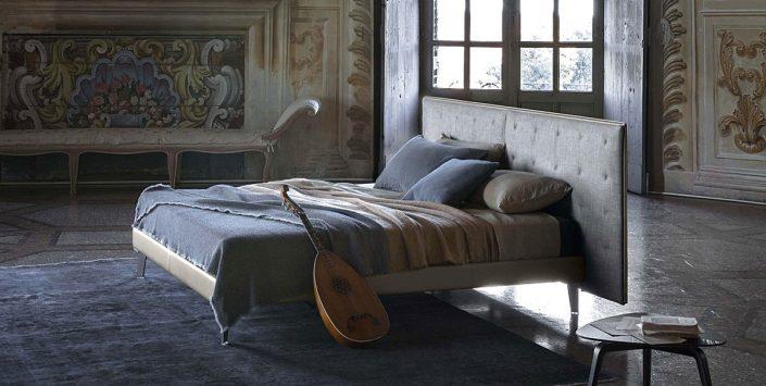 Łóżko z wezgłowiem GranTorino Coupe Poltrona Frau
