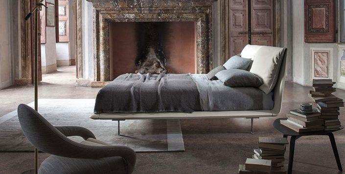 Łóżko nowoczesne John-John Poltrona Frau