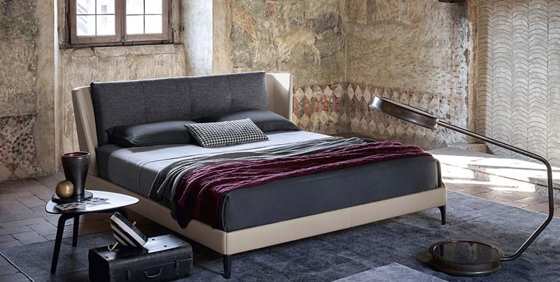 Nowoczesne łóżko z wyściełanym wezgłowiem - Poltrona Frau łóżko w sypialni