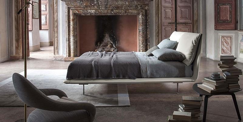 Oryginalne łóżko z łamanym wezgłowiem - Poltrona Frau