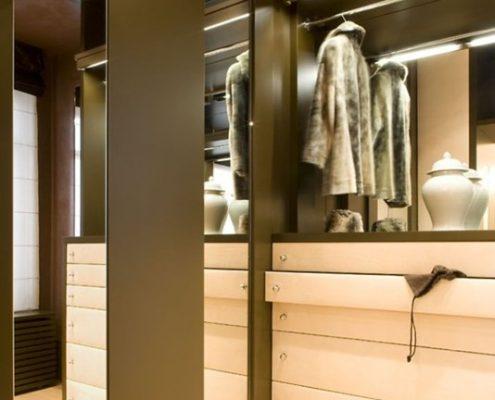 Aranżacja nowoczesnej garderoby