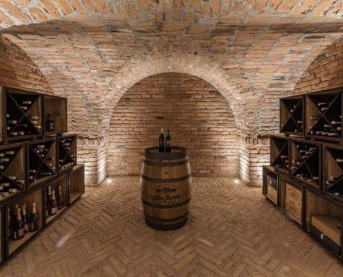Ceglana winiarnia w domu