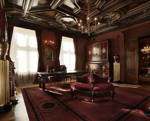 Ekskluzywny gabinet w klasycznej rezydencji