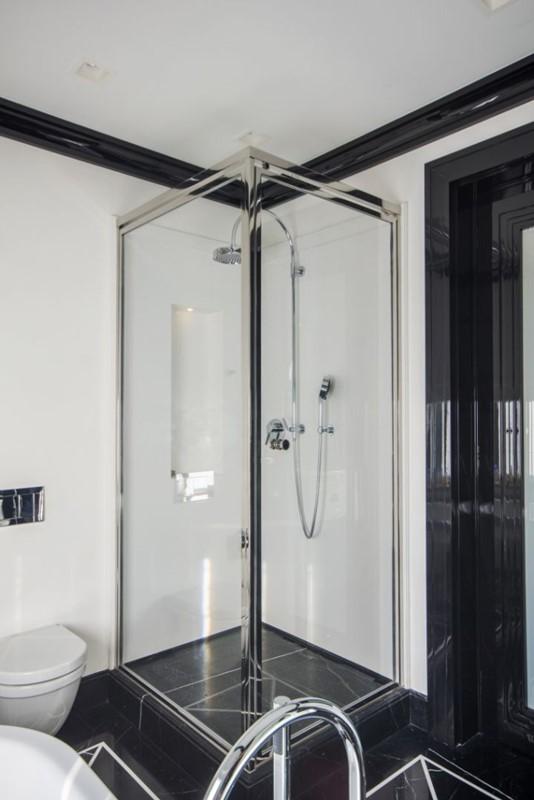 Lazienka Czarno Biala Z Prysznicem