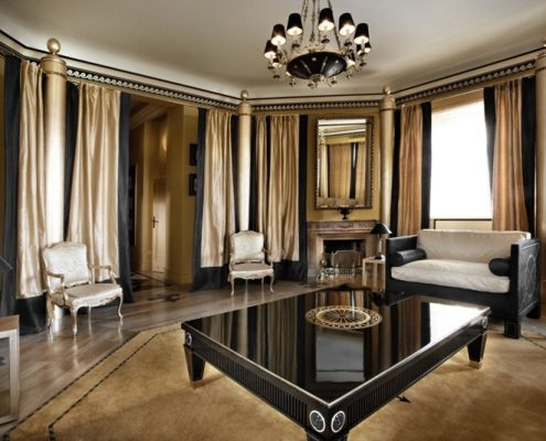 Klasyczny salon z elementami glamour