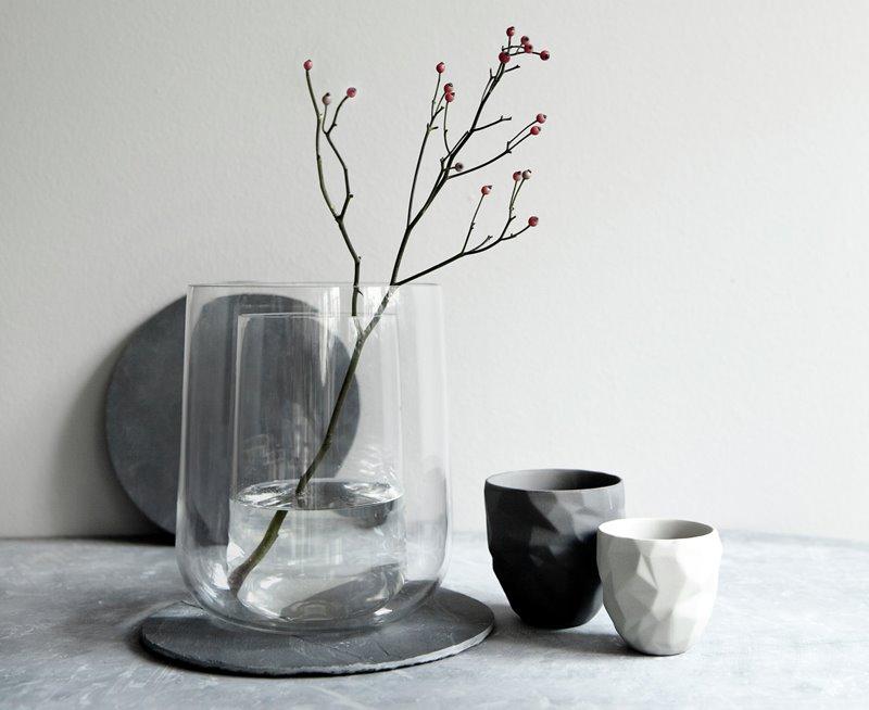 Nowoczesne wazony dekoracyjne - wazon w wazonie