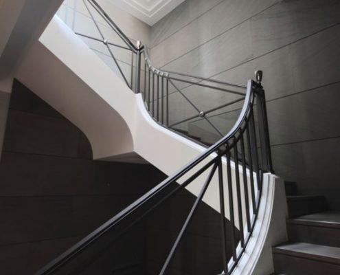 Oryginalne schody w stylu art deco