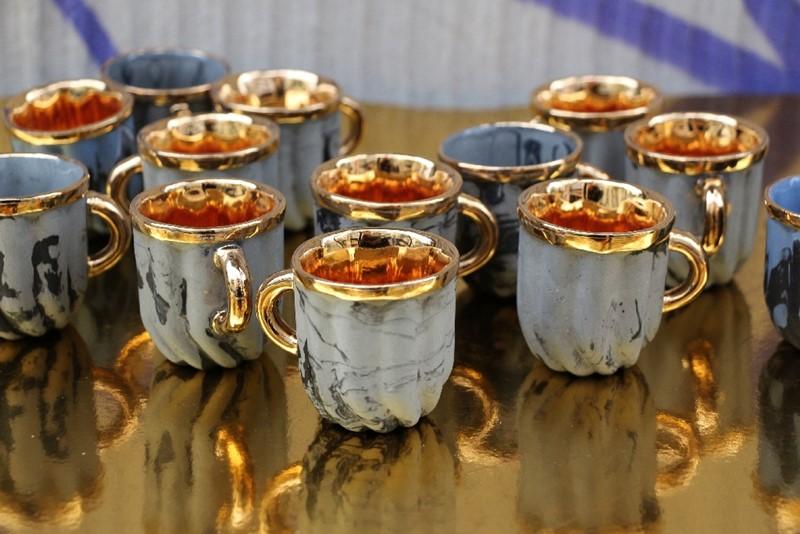Kieliszki Crema, porcelana, złoto