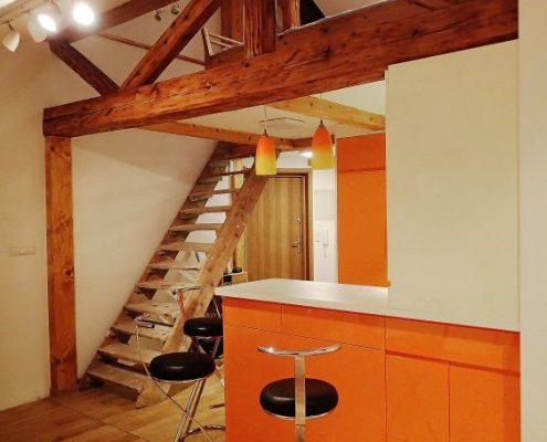 Aranżacja małej kuchni w oranżu
