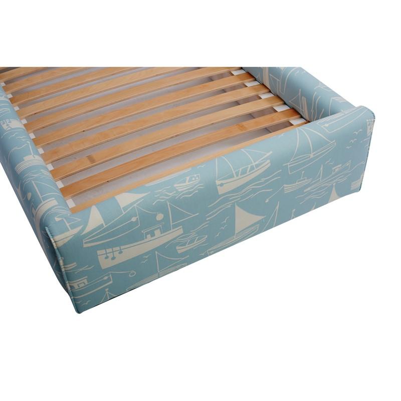 Błękitne łóżko dziecięce statki