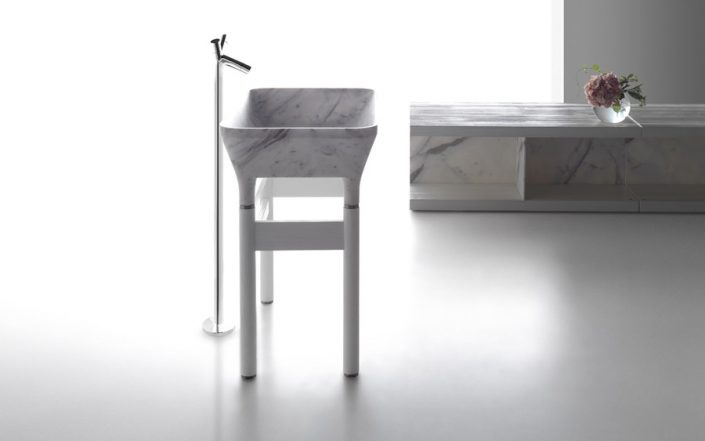Marmurowa umywalka z nóżkami Loto