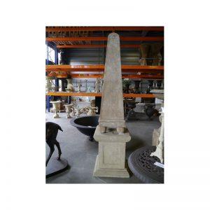 Rzeźba obelisk