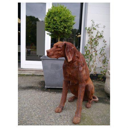 Rzeźba z żeliwa siedzący pies Livingstone Terrasso