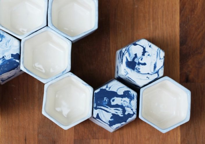 heksagon we wnętrzach filiżanki