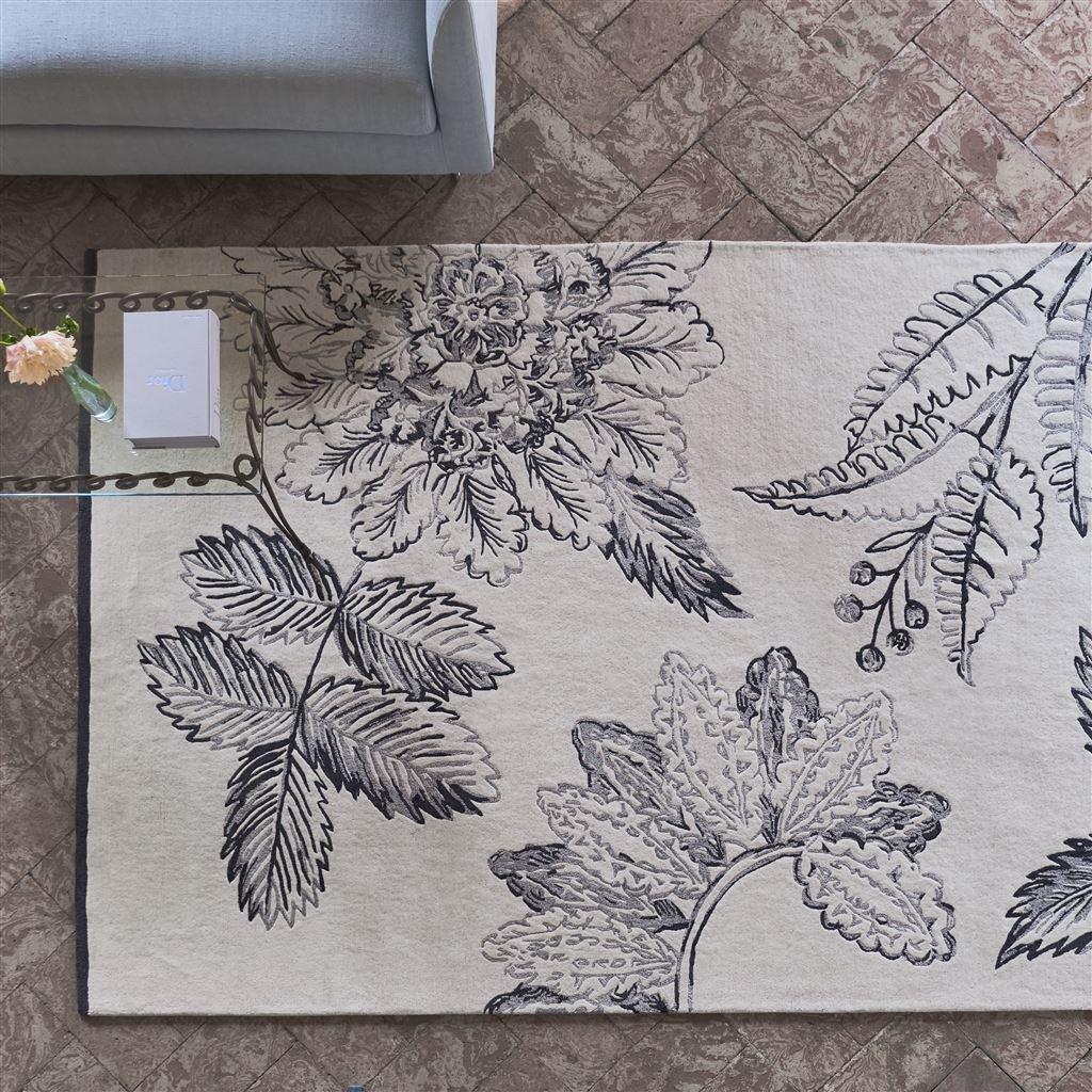 Dywan w salonie motyw roślinny