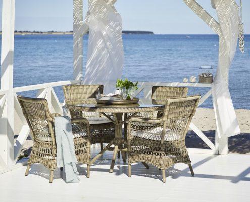 Pleciony zestaw ogrodowy z okrągłym stołem
