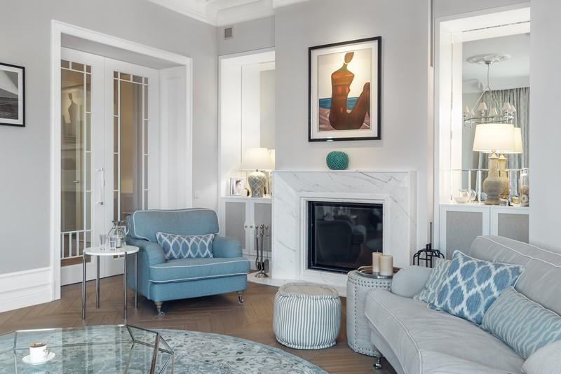 Jasny salon w stylu Hampton, proj. Katarzyna Kraszewska Architektura Wnętrz