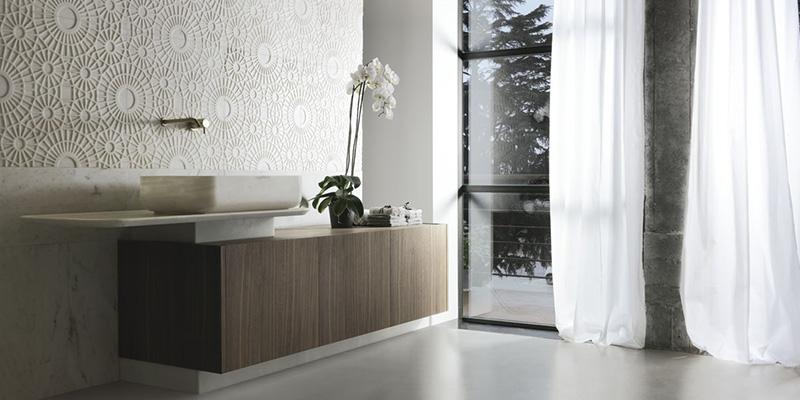 Kreoo umywalki i płytki z marmuru