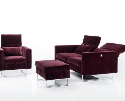 Fioletowa sofa embrace, Brühl