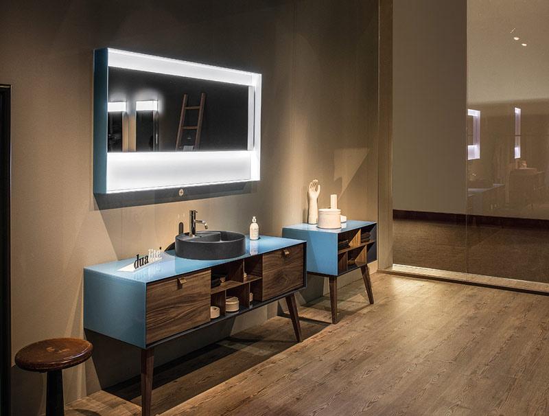 Meble do niebieskiej łazienki