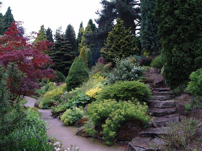 Aranżacja ogrodu na nierównym terenie