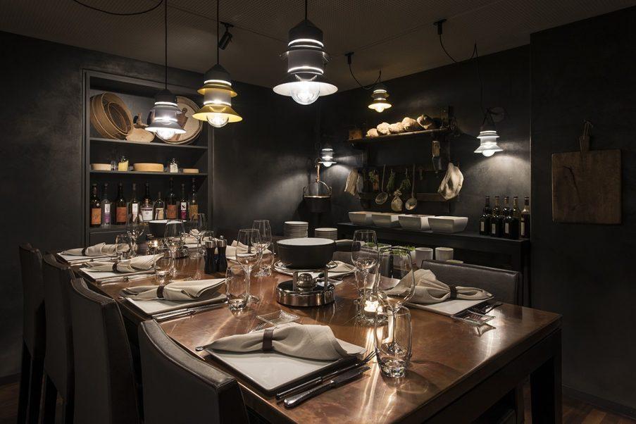 Aranżacja sali w restauracji Emulsion