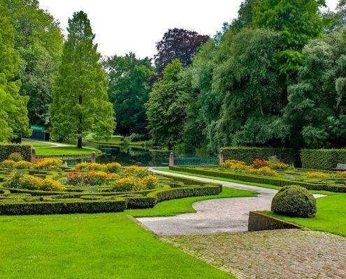 Barokowy ogród ze stawem