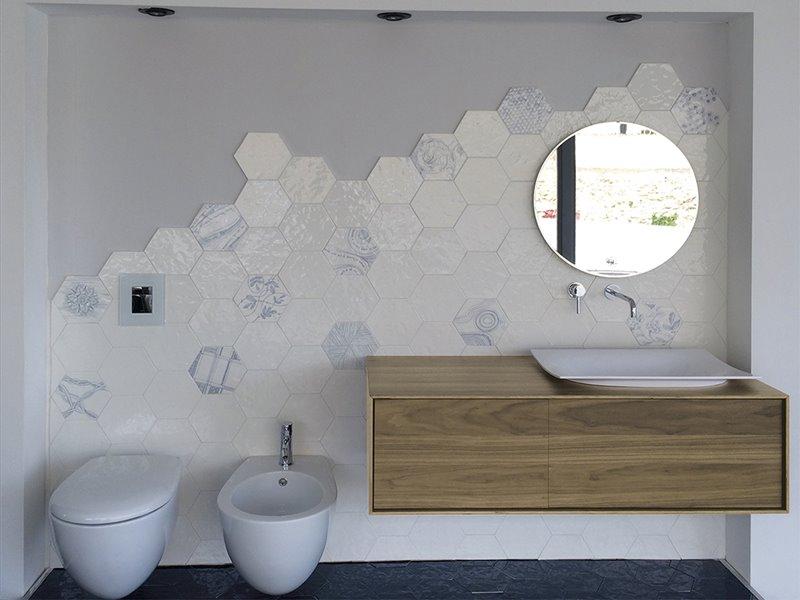 Heksagonalne płytki łazienkowe