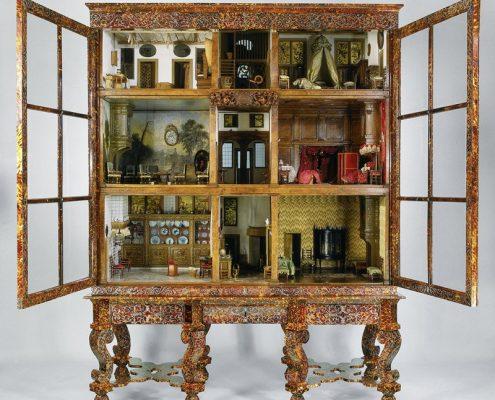 """Miniaturowe wnętrza – domek dla lalek z """"Miniaturzystki"""""""