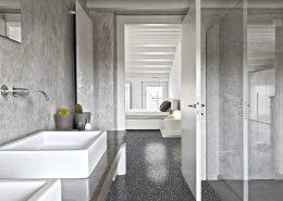 Płytki podłogowe na wysoki połysk w łazience