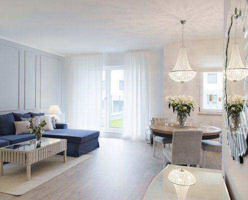 Aranżacja salonu otwartego na kuchnię - styl modern classic