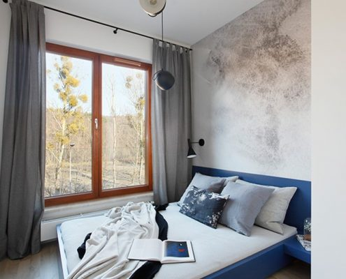 Imitacja betonu w sypialni