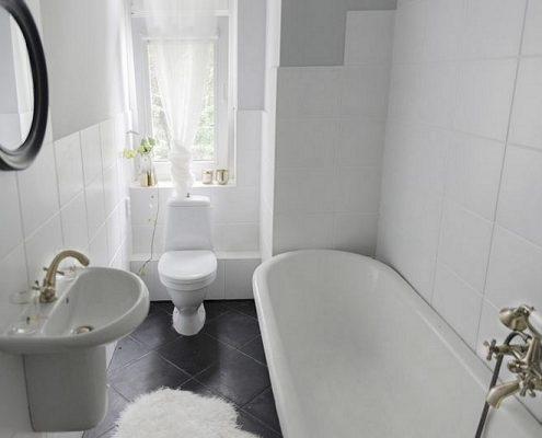 Klasyczna łazienka z wanną na nóżkach