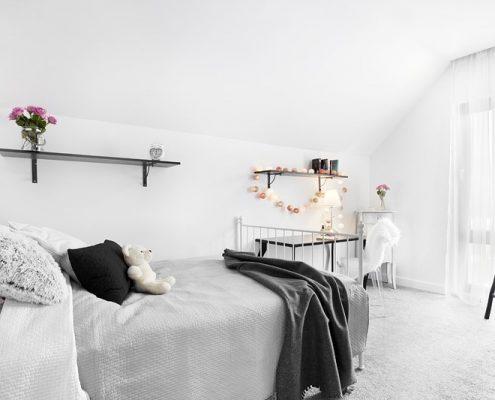 Romantyczna sypialnia w bieli