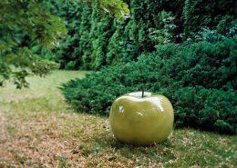 Duże rzeźby ogrodowe w nowoczesnym stylu