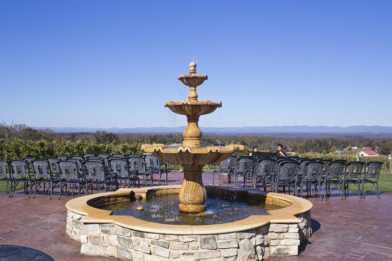 Eleganckie fontanna z kamienia