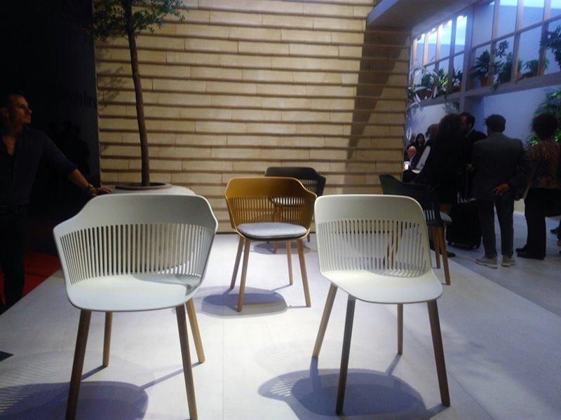 Designerskie krzesła Fotorelacja Salone del Mobile Milano 2018 80