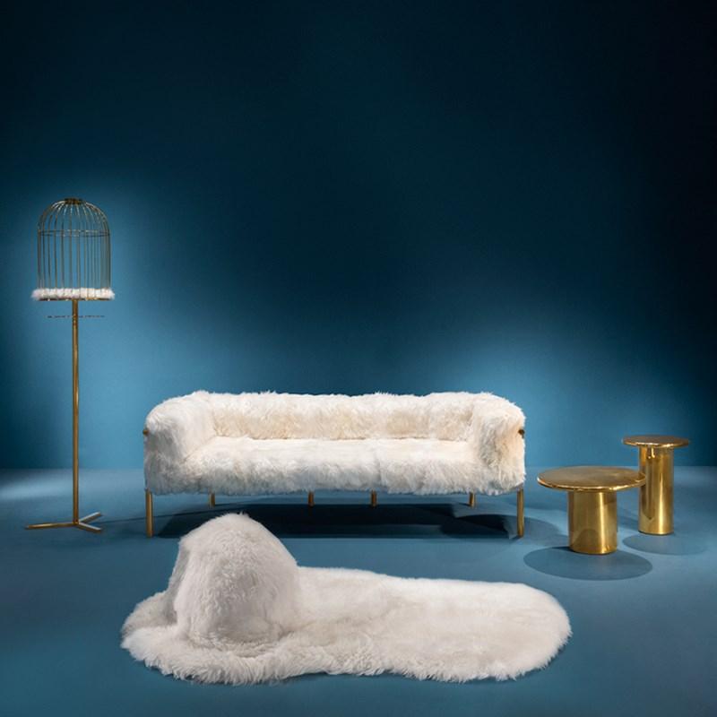 Ekskluzywne meble i dekoracje do biura Coronum Three Seater Sofa
