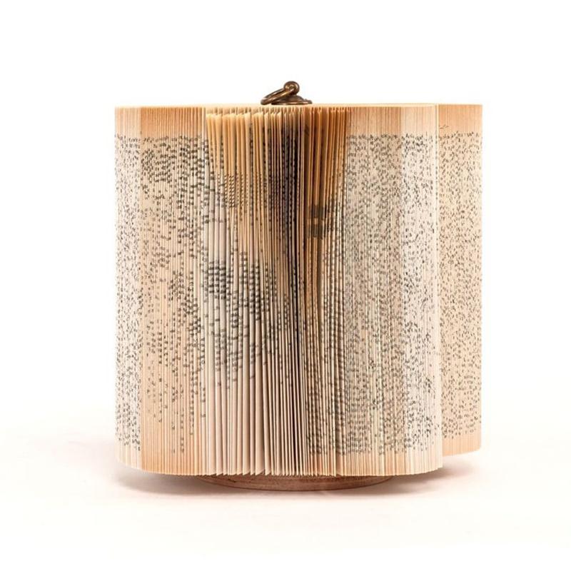 Papierowa rzeźba książka Crizu Log