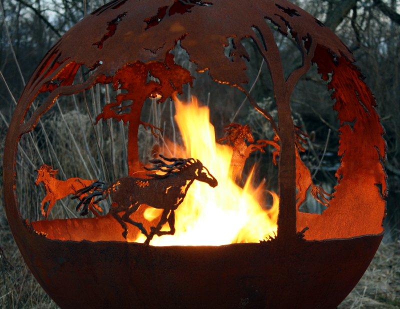 Palenisko ogrodowe dzikie konie Wildfire THE FIRE PIT GALLERY