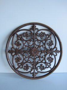 Bożonarodzeniowy ornament z żelaza