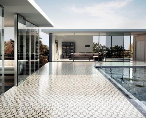 Ekskluzywna podłoga przy basenie