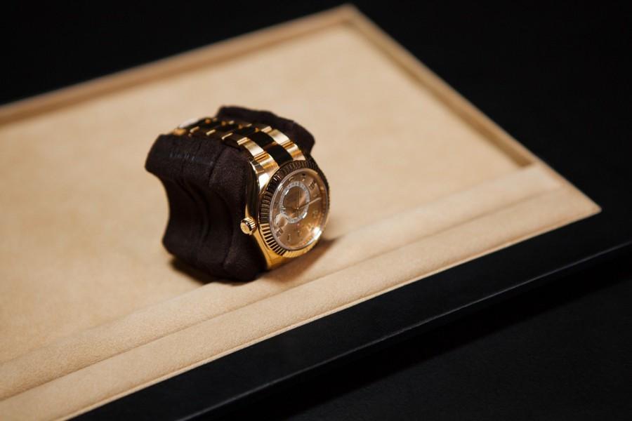 Ekskluzywny rotomat do zegarków z 24-karatowego złota LumiSidus