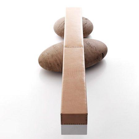 Minimalistyczna ławka wewnętrzna Pave Log Kreoo