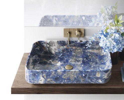 Oryginalna umywalka z niebieskiego marmuru