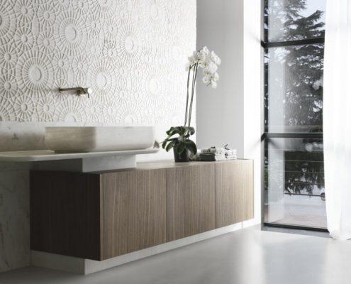 Stylowa łazienka z marmurową umywalką
